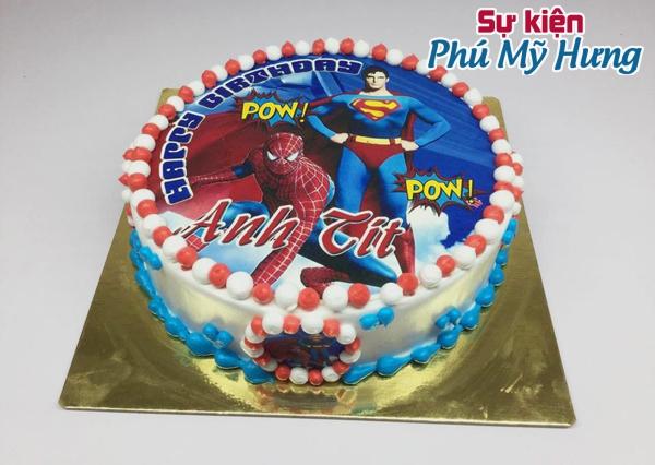 Bánh sinh nhật in hình siêu nhân cho bé trai