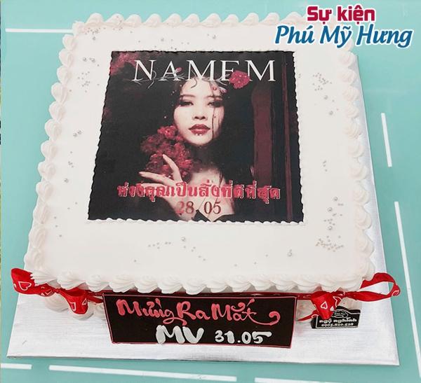 Mẫu bánh sinh nhật in hình đẹp cho bạn nữ